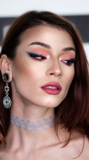 Turquoise Eyeliner Makeup Tutorial